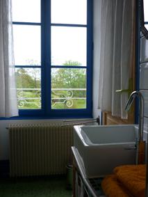 Chambre d'hôtes La Gémuloise chambre côté vignes salle d'eau