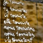 communiquer à un persona touriste