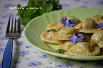ravioli di borragine al burro, mentuccia e pinoli (8)