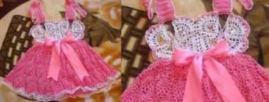 une robe d'été et de papillons