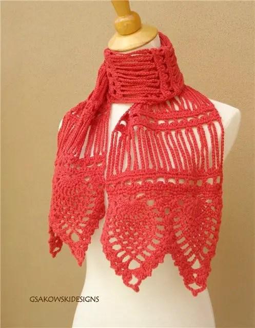 Une écharpe façon fourche et motif ananas