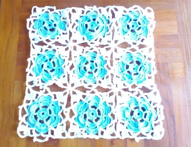Cal pull de granny aux roses bleues partie 3