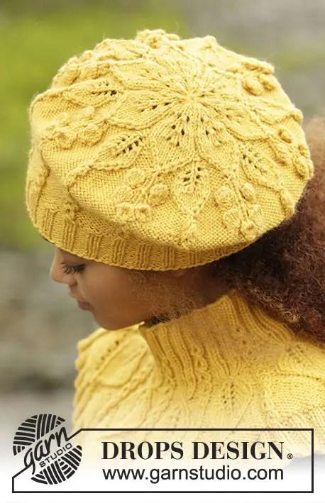 Un ensemble béret tour de cou et mitaine au tricot