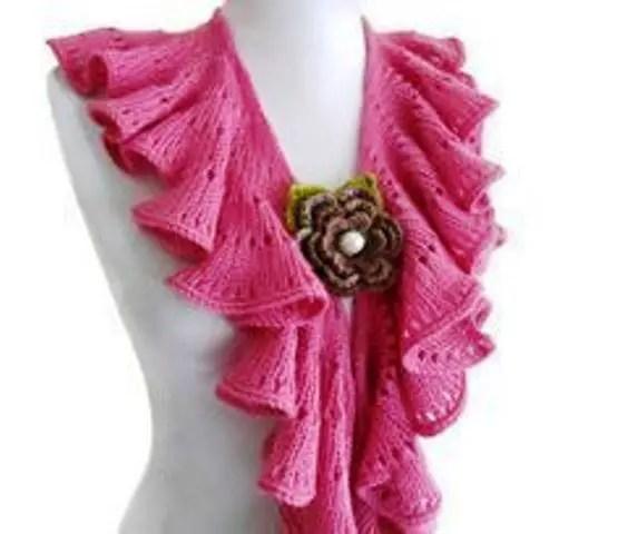 Une écharpe frou frou au tricot