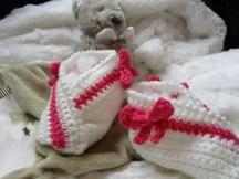 des chaussons bébé au crochet pour 3 à 6 mois
