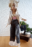 un pantalon tendance pour barbie Lili