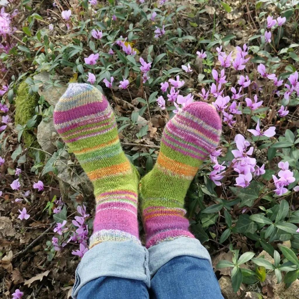 Des chaussettes tricotées main pour toute la famille