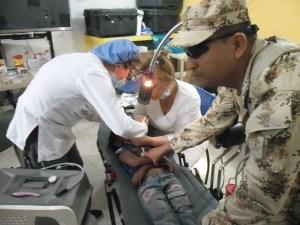 Los militares además, realizaron jornadas de salud, educación, recreación, alimentación a los niños que asistieron a la entrega de las aulas.