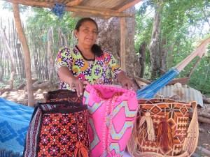 Paulina, es  una mujer indígena del municipio de Hatonuevo, en el departamento de La Guajira, tiene 62 años de edad y es  madre de cinco hijos.