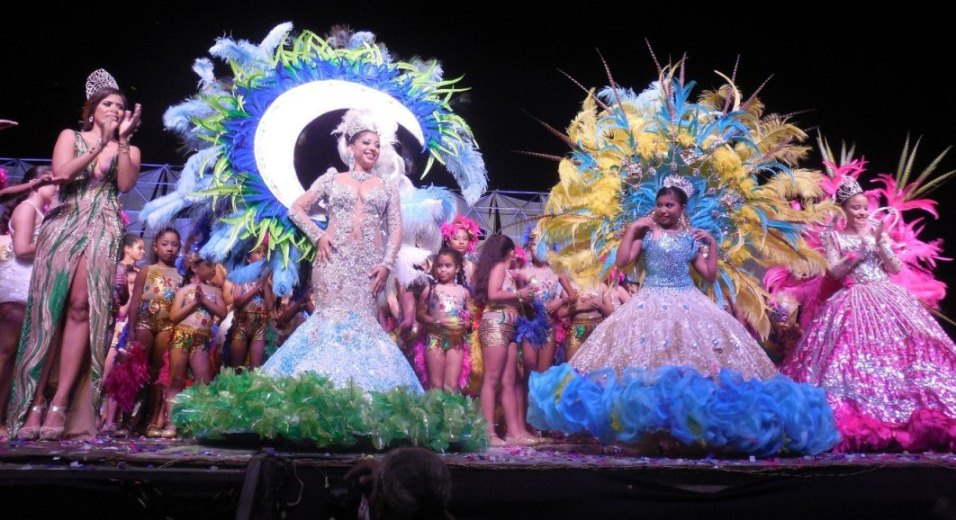 Noche de coronación, baile, brillo y alegría en el Federico Serrano ...