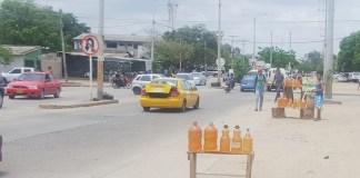 """El precio del combustible es tan alto, que, ahora en Riohacha se pasó de vender pimpina a la """"brisa""""."""
