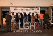 Por atender a sus clientes en plena vía pública, deportan a 7 venezolanos de la comunidad Lgbti.