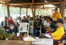 Aspecto de la reunión informativa que se realizó en la Laguna, zona rural de San Juan del Cesar.