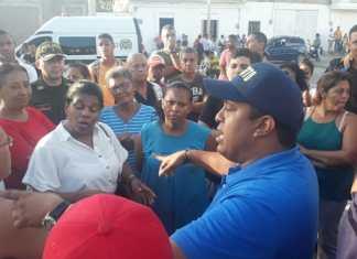 El secretario de Gobierno Ronal Fabián Gómez García se trasladó al lugar de los hechos con el propósito que las personas en la discordia pudiesen conciliar, pero no fue posible. Vuelven a dialogar este lunes.