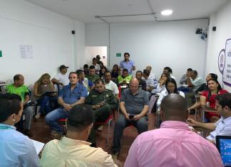 Los comerciantes del municipio de Maicao, escucharon las propuesta que les realizó el gerente de Electricaribe en La Guajira.