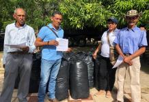Pequeños campesinos están siendo apoyados para evitar que sus animales se mueran, con esta falta de comida en el municipio de San Juan del Cesar.