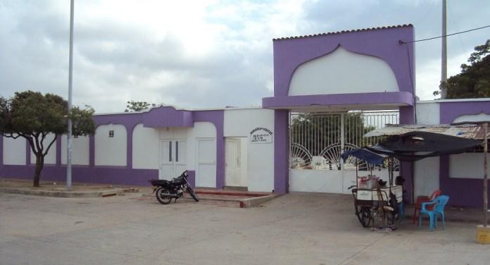 En la morgue de Maicao, todavía continúan los cuerpos de los dos extranjeros que fallecieron en el territorio colombiano.