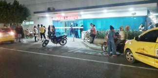 En una clínica de Maicao fue atendido el extranjero que se enfrentó a los uniformados y terminó herido.