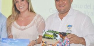 La presidenta de Findeter, Sandra Gómez, junto al alcalde de Riohacha Juan Carlos Suaza Movil.
