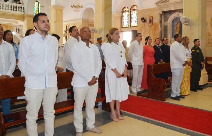 Los diputados Maikel Castilla, Blas Mendoza Quintero y la parlamentaria María Cristina Soto de Gómez, fueron algunas de las personalidades que acompañaron al gobernador en la conmemoración de los 54 años de La Guajira.