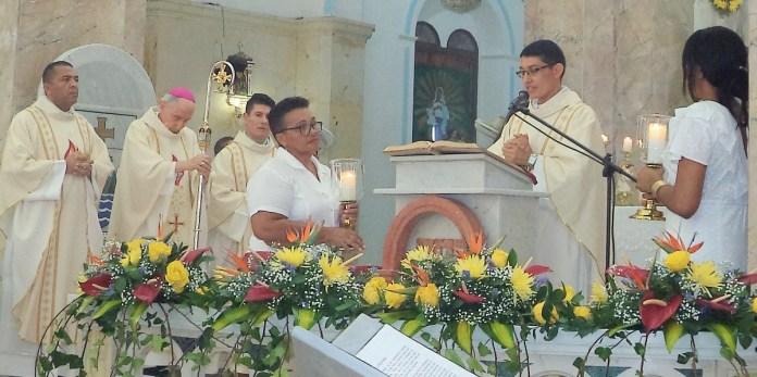 Monseñor estuvo acompañado en el altar por los sacerdotes Jefferson Ariza, Samuel Chavarro y Gerardo Pulido.