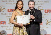 Tarsys Loayza Roys, cuando recibía premio Quality Choice