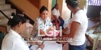 Los adultos mayores de San Juan del Cesar en jornada de vacunación contra la influenza