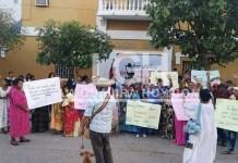 obladores del Cabo de la Vela, viajaron desde su corregimiento hasta el casco urbano del municipio de Uribia a protestar.
