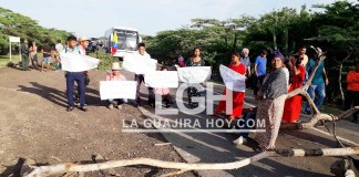 Bloqueada por varias horas la troncal del Caribe a altura del kilómetro 53 de la vía Riohacha-Maicao.
