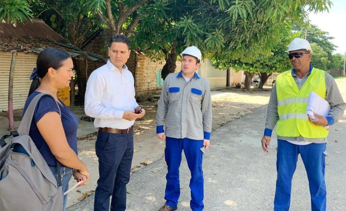 El equipo de Electricaribe, visitó al corregimiento de Barbacoas  y dialogaron con la corregidora Leidis Ureche Mejía.