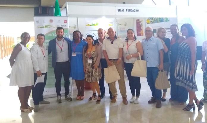 Integrantes del  grupo de investigación Pichihuel, integrado por los docentes Jairo Rafael Rosado Vega y Malka Irina Moreno Fernández, en Cuba.
