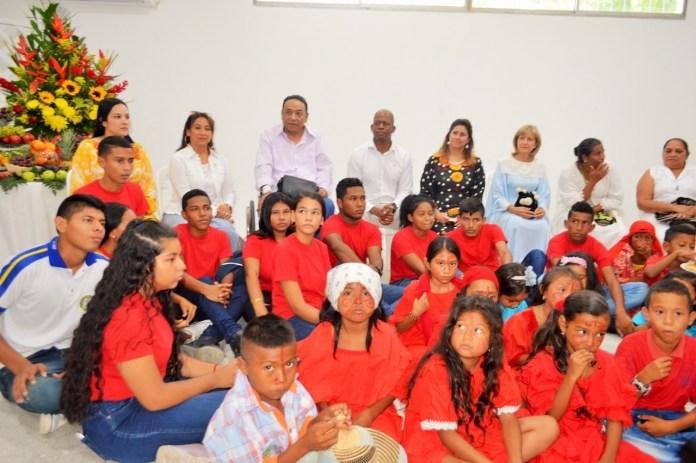Junto al alcalde de Manaure Aldemar Ibarra Mejía, directivos de Chevron, la primera dama de la nación María Juliana Ruíz y Nohora Puyana de Pastrana, se reinauguró la Ludoteca.