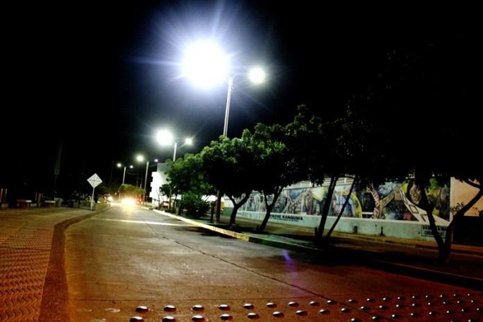 Las calles y avenidas de la ciudad, esperando a los enamorados.
