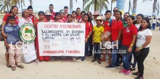 Los indígenas wayúu compartiendo experiencias con estudiantes de colegios privados de la ciudad.