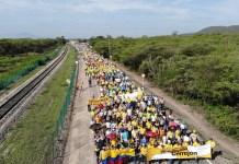 Muchos fueron los empleados de Cerrejón que salieron a marchar en solidaridad con su empresa.