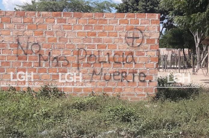 Un grafiti apareció en una casa en construcción en donde rechazan a la Policía.