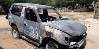Calcinado quedó el vehículo Toyota Prado, color gris de placas AF776HR del Estado Lara Venezuela.