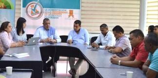 El Gobernador entrante Nemesio Roys Garzón y Carlos Robles Julio, rector de UniGuajira dialogaron sobre las dificultades que atraviesa la U y que necesita el cumplimiento de parte del Gobierno Departamental.
