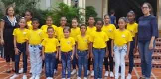 Estos son los infantes que integran el coro infantil de la fundación Zenobia Barliza.