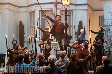 Mary Poppins Return (2018) Lin-Manuel Miranda and Emily Blunt ANY ADDITIONAL USAGE SHOULD BE CLEARED WITH DISNEY