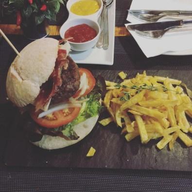 Haburguesa-Cafe-Del Rey_2