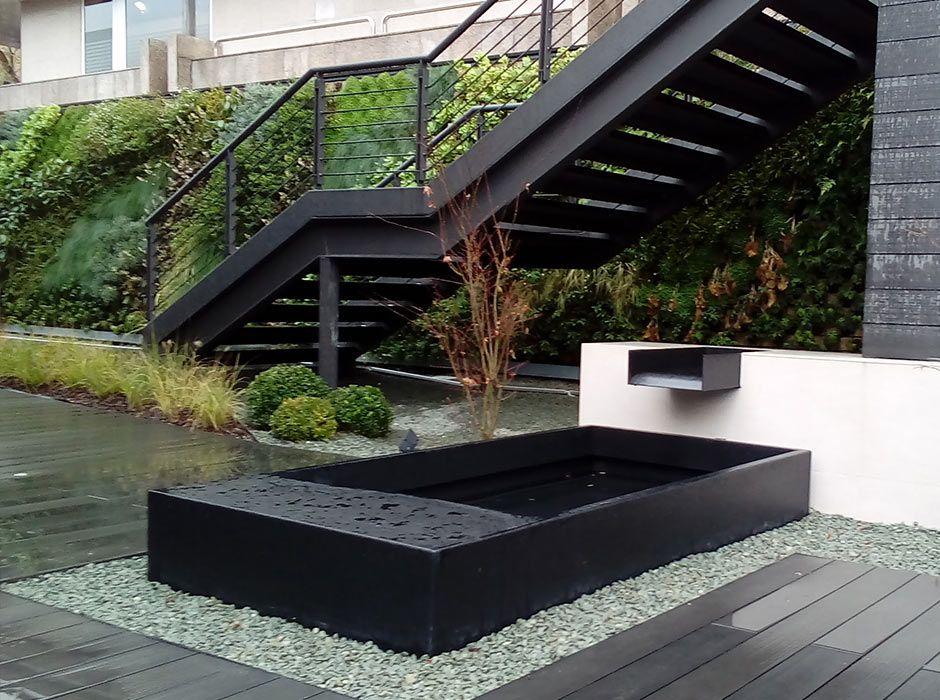 Fuente de jardín en oficinas