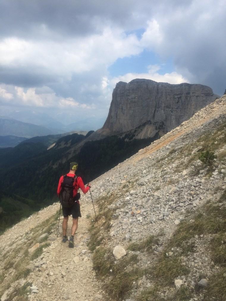Mont Aiguille dans la descente du Pas de la Selle
