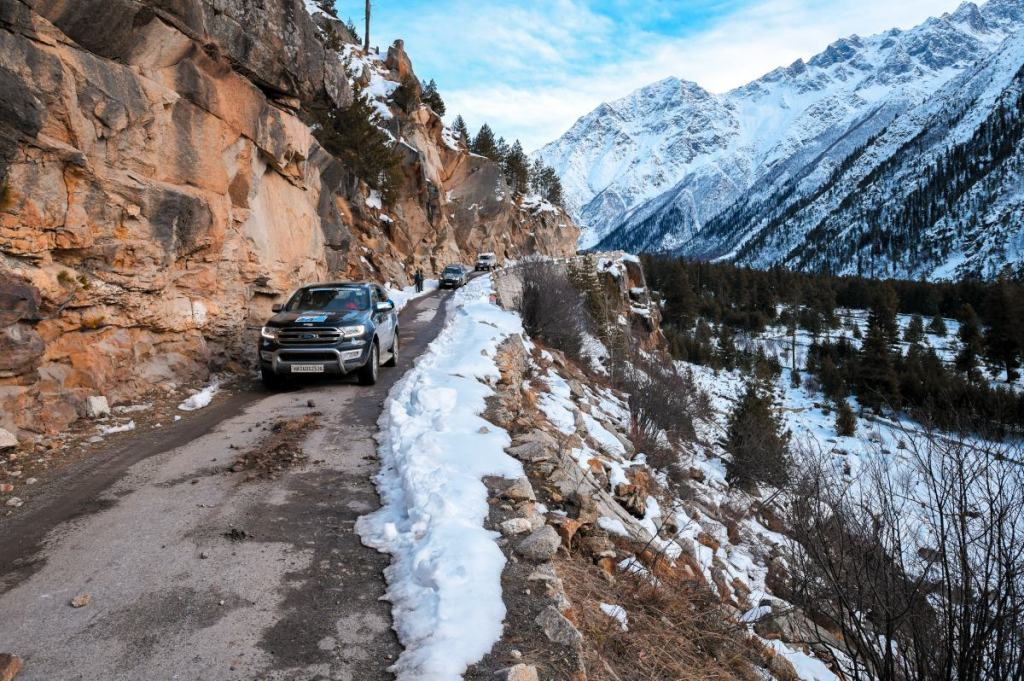 Driving back from Chitkul to Sangla