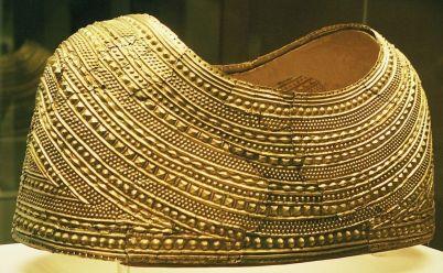 Capa de oro de Mold, Edad del Bronce