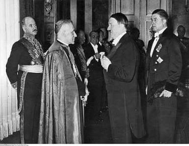 Pío XII junto a Hitler
