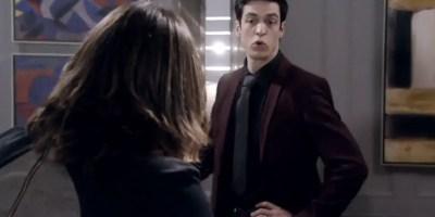 El villano gay que usa la lengua para seducir