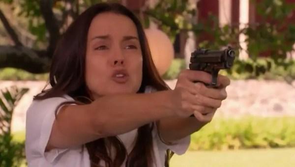 a que no me dejas capitulo 68 julieta apuntando pistola boda alejandra barros 1