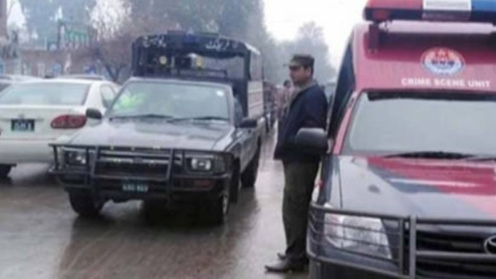 lahore police pakistan checkpoint