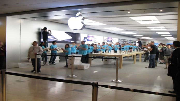 apple employees harassment complaints